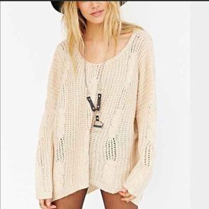 R104 Unif X UO cable knit